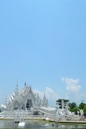 Temple Blanc.. Ciel bleu.
