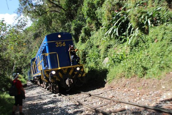 Le train entre l'usine hydro-électrique et Aguas Calientes...