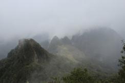 S'enfoncer dans le brouillard en grimpant la Montana...