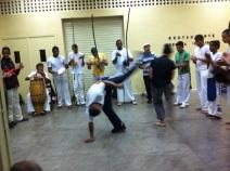 Une petite capoeira sous le préau...